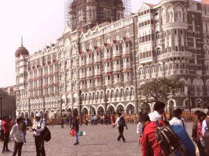 कोरोना के बीच महाराष्ट्र सरकार ने 30 नवंबर तक के लिए बढ़ाया लॉकडाउन, यहां जानें जरूरी बातें